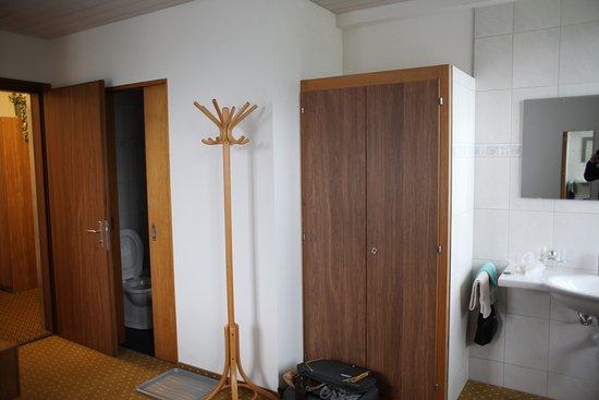 Bel Air Eden: wardrobe and washroom door