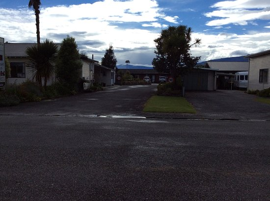 Buller Bridge Motel : From road view