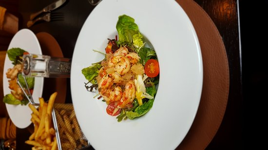 Ballygarry House Hotel & Spa: Warm prawn salad