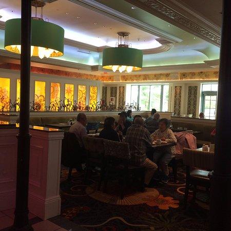 Fallsview casino buffet times