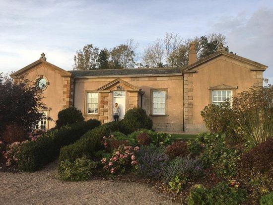Anns Hill: The Lodge