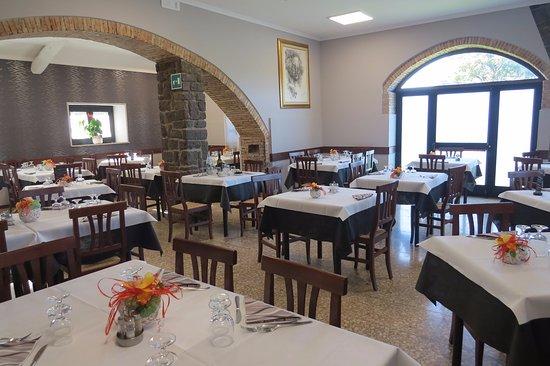 Castel Giorgio, Italia: Interno, dopo pranzo.