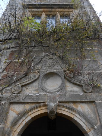 Burwash, UK: fronton au dessus du porche 1634