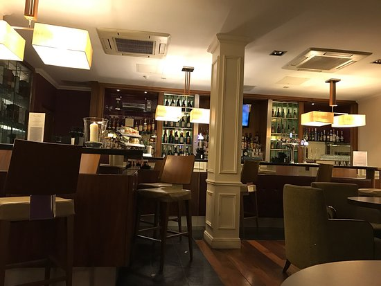 Hilton Edinburgh Grosvenor: Bar