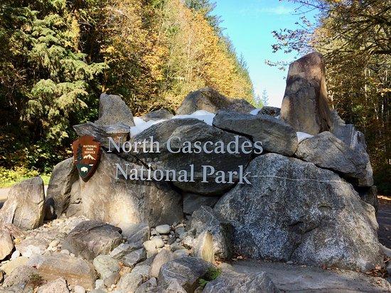 North Cascades Highway: National Park Sign