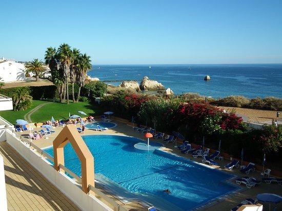 Hotel Luar: Cour intérieure et piscine