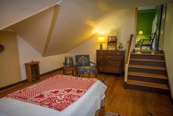 Chestertown, MD: Garrett Room (single bedroom portion of the Eliason Suite)