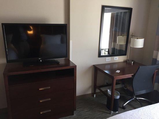 Carrboro, Caroline du Nord : TV and Desk