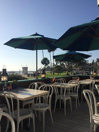 Greeter's Corner Restaurant: outdoor patio