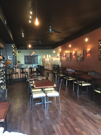 Ashland, OH: wine and dine