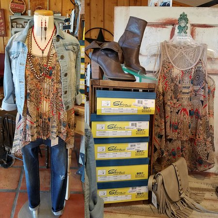 Salado, TX: Ladies Clothing, Jewelry & Accessories!