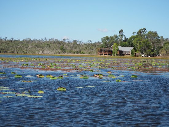 Jabiru Safari Lodge: The main lodge where you eat and watch the sunset