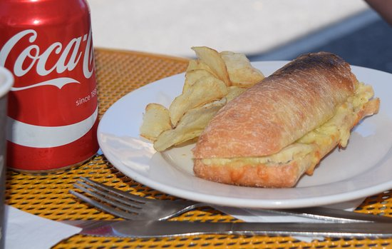 Cafe Mocha: daphne's chicken and cheese panini...and a real coke!