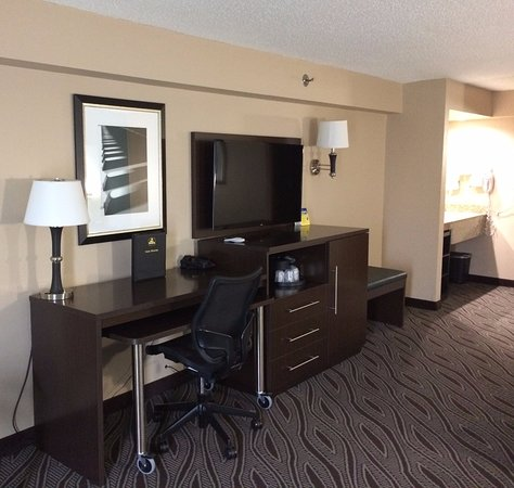 Best Western Galleria Inn & Suites: King Sofa Suite Room