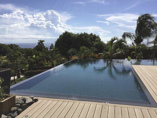 Residence de la Cousiniere: Nouvelle piscine avec vue sur mer