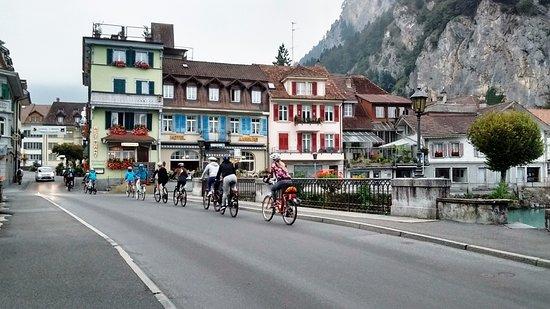 The Hotel Restaurant Aarburg: hotel de janela azul