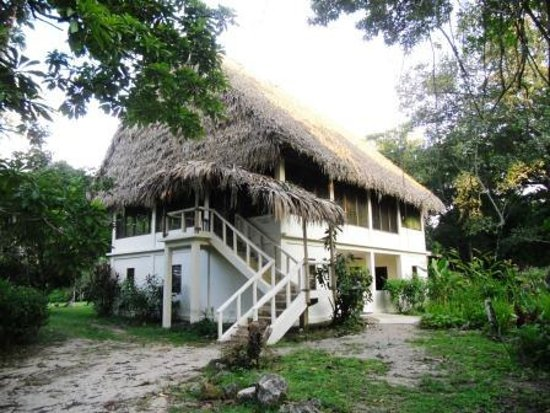 Punta Gorda, Belize: The main lodge with lodge rooms downstairs and dining upstairs.