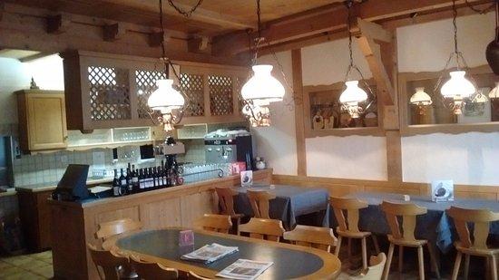 The Hotel Restaurant Aarburg: recepção e restaurante