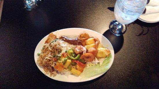 Dixon, IL: buffet treats