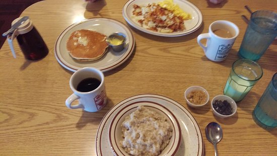 Dixon, IL: our breakfasts
