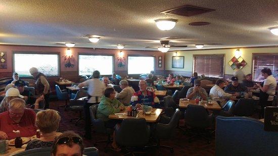 Dixon, IL: dining area