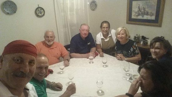 Capo San Giovanni's Mari e Monti: guest from allover the US get togheter at my table and became friend...