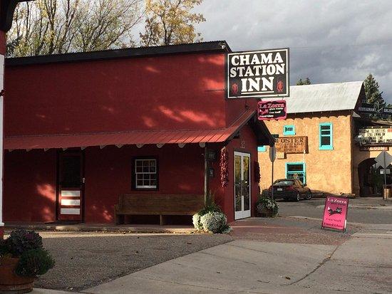 Chama Station Inn Photo