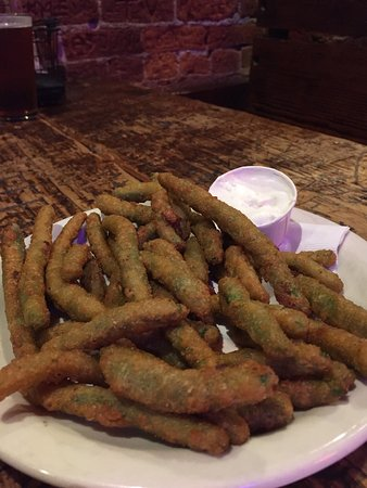 The Tav: WS GAME #4 dinner - good chicken strips & fried green beans!!