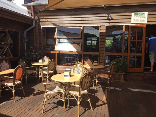 Mount Tamborine, Avustralya: Outdoor seating