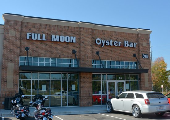 Rude hostesses review of the full moon oyster bar for Charlotte motor speedway condo rental