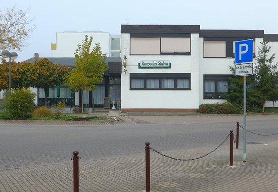 "Limburgerhof, Tyskland: Die ""Burgunder Stubb"" heisst ""Burgunder Stuben"""