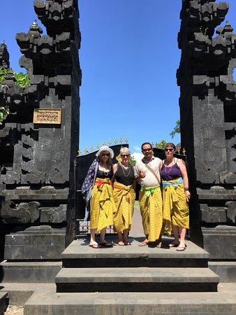 Jimbaran, Indonesia: Made and our group