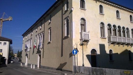 Palazzo Ragazzoni