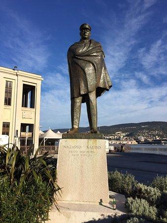 Statua di Nazario Sauro a Trieste