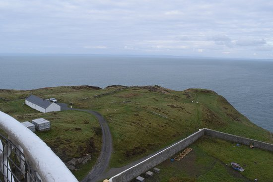 Mull of Galloway, UK: A view from the outside deck of the lighthouse