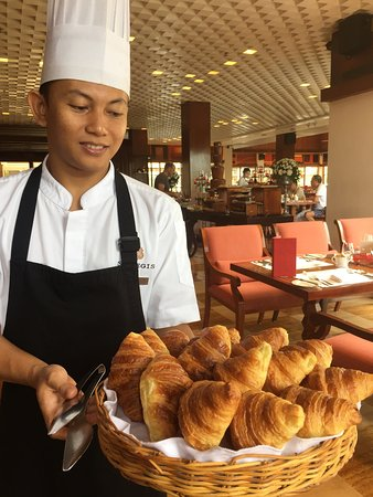 The St. Regis Bali Resort: BREAKFAST