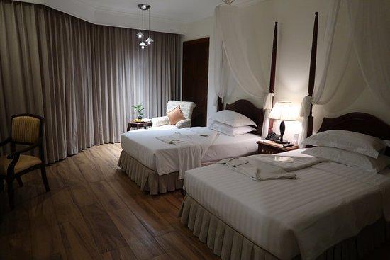 Angkor Palace Resort & Spa: 2張小床