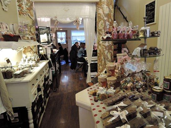 Devanture du salon de thé - Photo de Dame cakes, Rouen - TripAdvisor