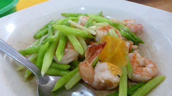 Wilayah Persekutuan, Malaysia: Asparagus with prawns