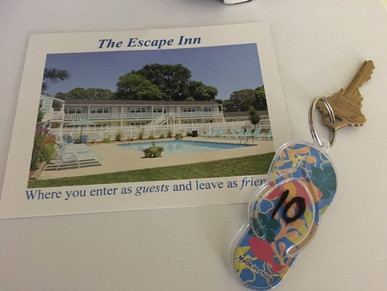 The Escape Inn: The room is immaculate!  The cleanest room by far. Owners take pride and it definitely shows thr