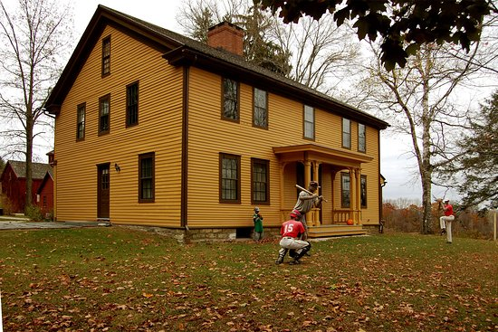 Pittsfield, MA: Melville's home, situated on Holmes Road (named for Oliver Wendell Holmes.)