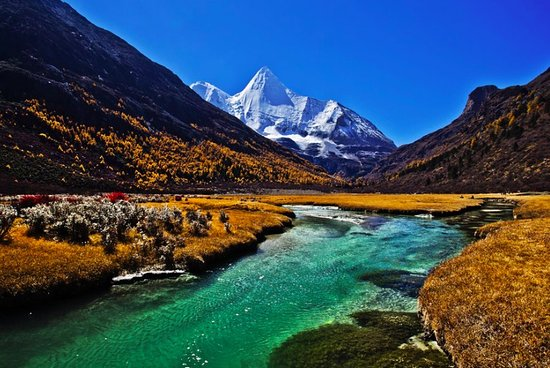 Hiking with Lijiang Guides - Private Tours