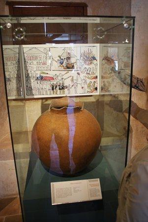 Tzintzuntzan, Μεξικό: Una pieza ceramica del museo
