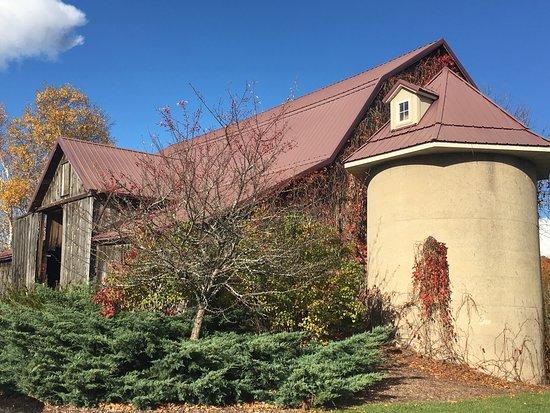 Simon Creek Vineyard & Winery : photo2.jpg
