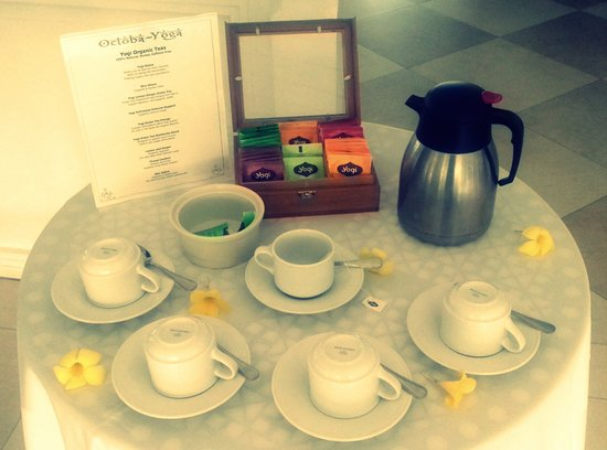 Cap Estate, St. Lucia: Breakfast OctobaYoga special tea options