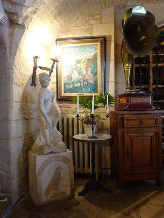 Creully, France : un coin situé dans une salle à manger