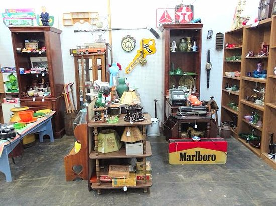 Treasure Cove Antique Mall: inside