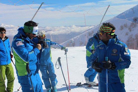 Rocca di Cambio, Italy: Scuola Sci & Snowboard - Le Aquile