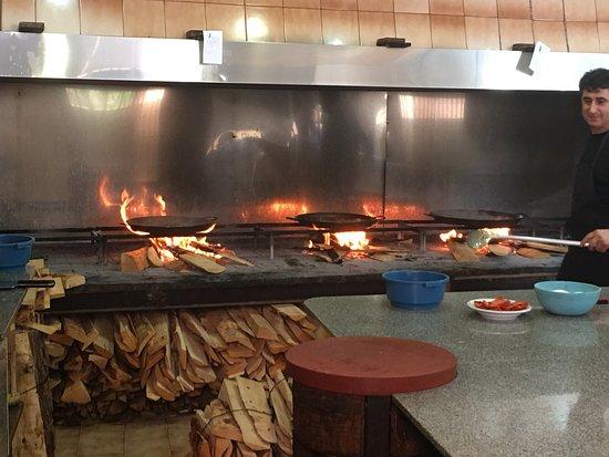 Barx, Spain: Très bon accueil, cuisine traditionnelle et excellente, vraiment à découvrir.