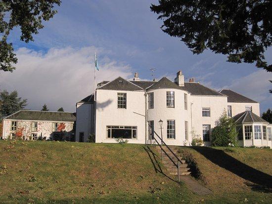 Banchory, UK: Hotel from riverside